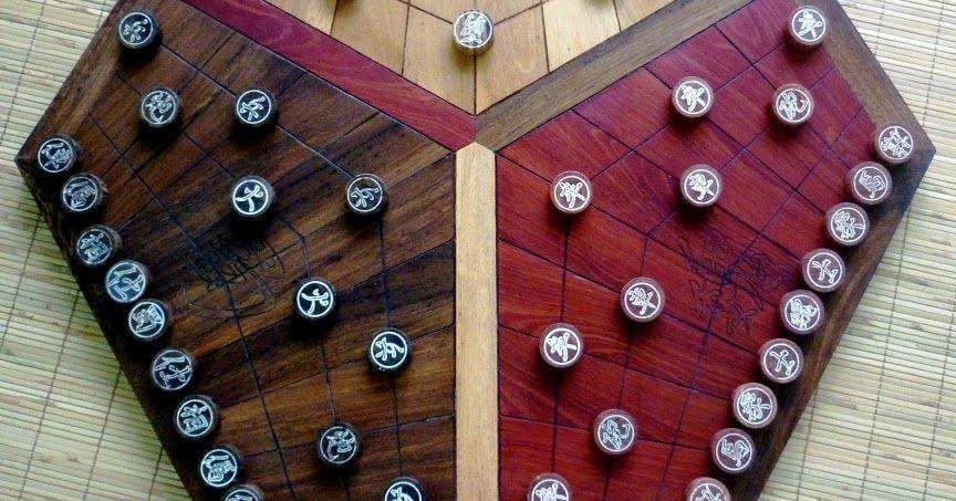 Chơi cờ tướng 3 người như chơi trò chơi tam quốc diễn nghĩa. Ý tưởng nguồn  là ở đây. Tên tiếng Hán phiên âm là San Guo Qi. Mỗi người chơi.