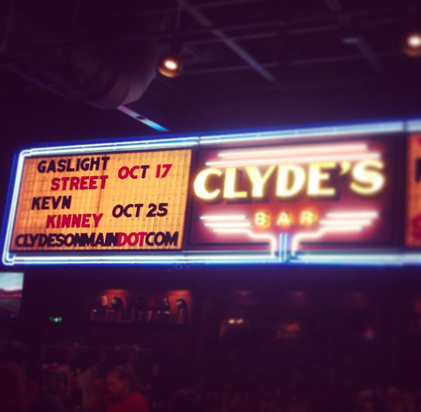 Clyde S On Main In Chattanooga Tn With Images Clyde Chattanooga Maine
