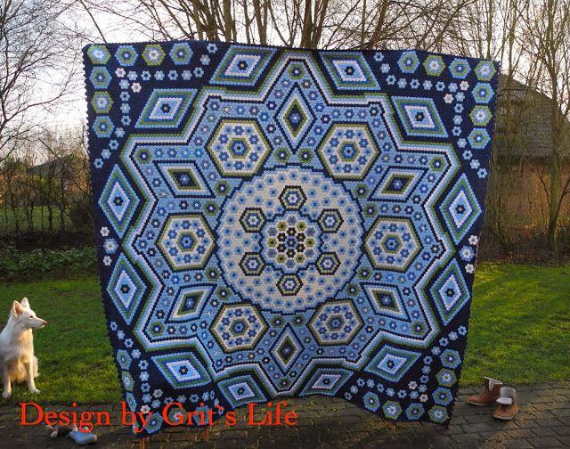 """Grit's Life: Hexagonquilt """"La Passion""""-17250 hexagons...wow"""