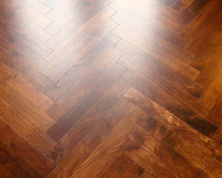 Custom American Black Walnut Herringbone Patterned Floor Wood Plank Flooring Wood Truss Wide Plank Flooring