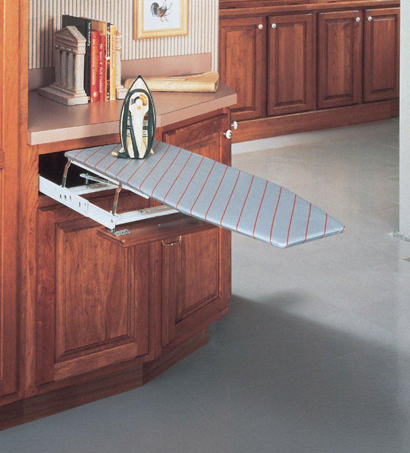 une table repasser ing nieuse qui se loge dans un coin handicap pinterest repasser. Black Bedroom Furniture Sets. Home Design Ideas