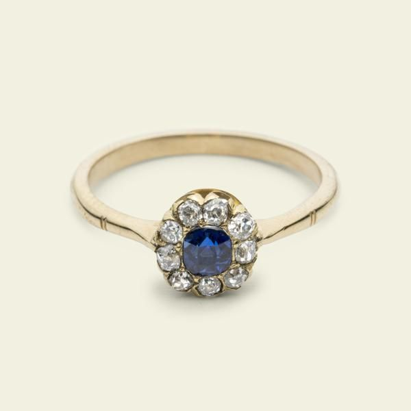 Edwardian Round Sapphire and Diamond Cluster Ring