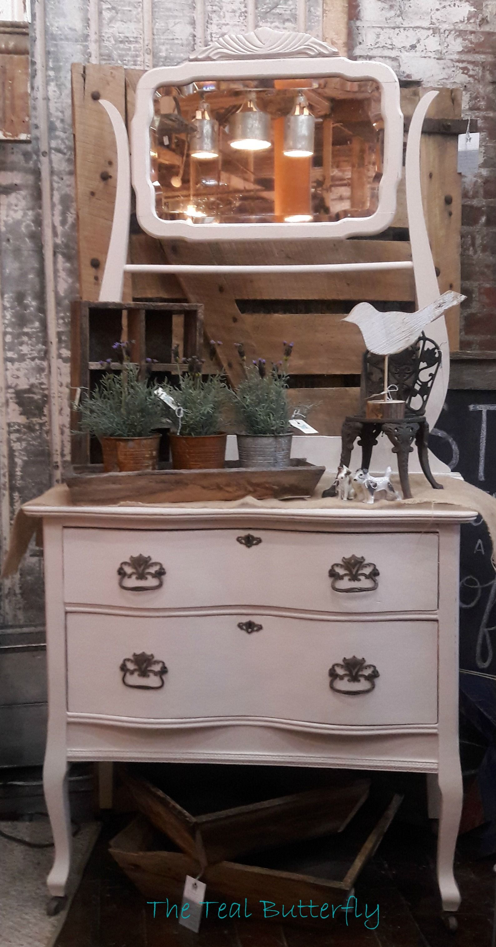 Hotel Wash Stand painted with Amy Howard e Step paint in Linen