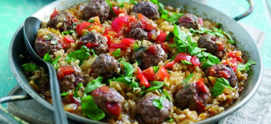Lihapaella, pihvijauhelihapullia sulhon makuun?    Welsh Beef Meatball Paella - Recipes - Edwards of Conwy