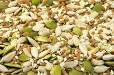 Los beneficios de las semillas [una a una]Al estar preparadas para que una planta pueda nacer desde un espacio tan pequeño, las semillas concentran grandes cantidades de nutrientes.
