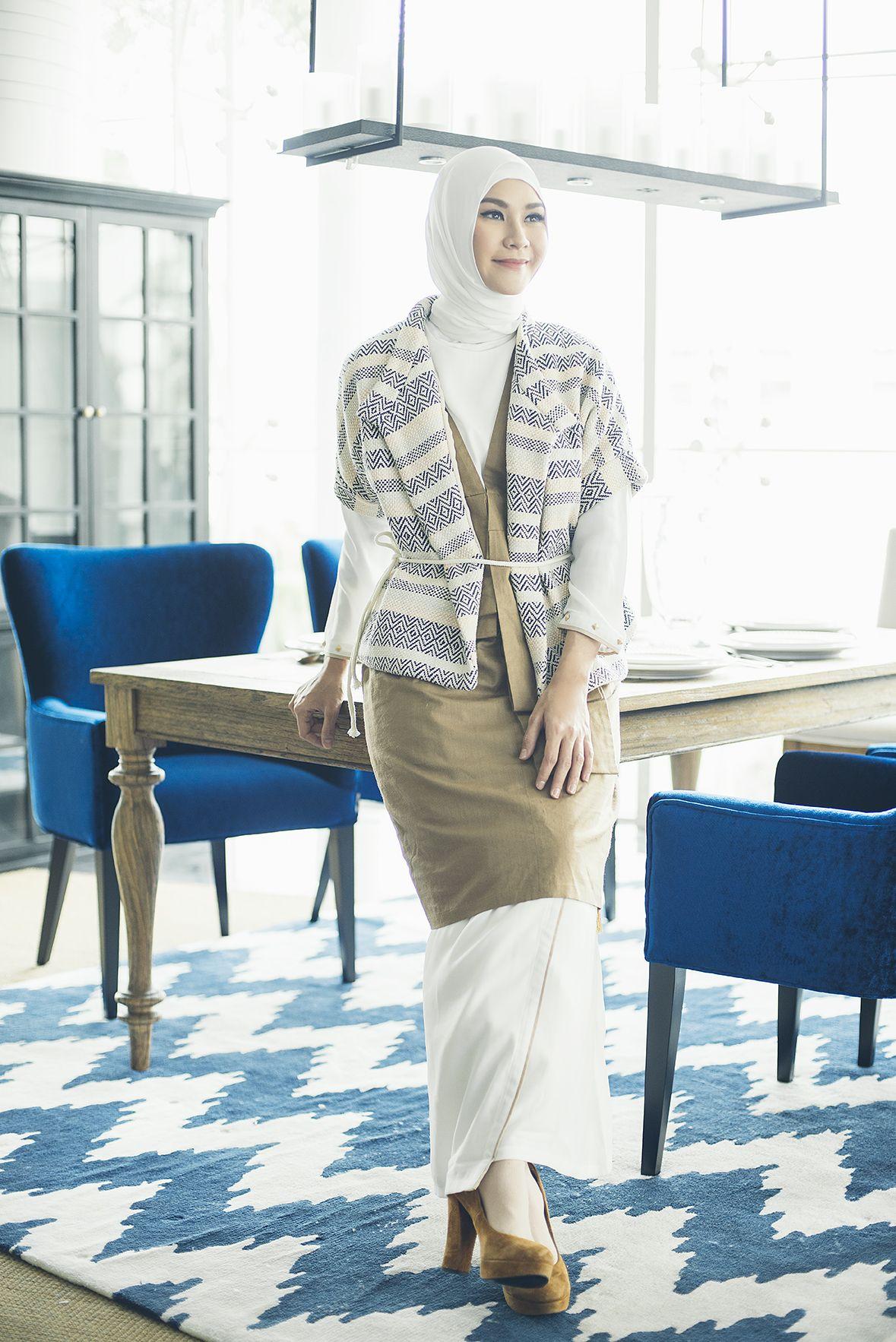 Gaya Hijab Lebaran Zaskia Adya Mecca Aksen Tumpuk Yang Chic What