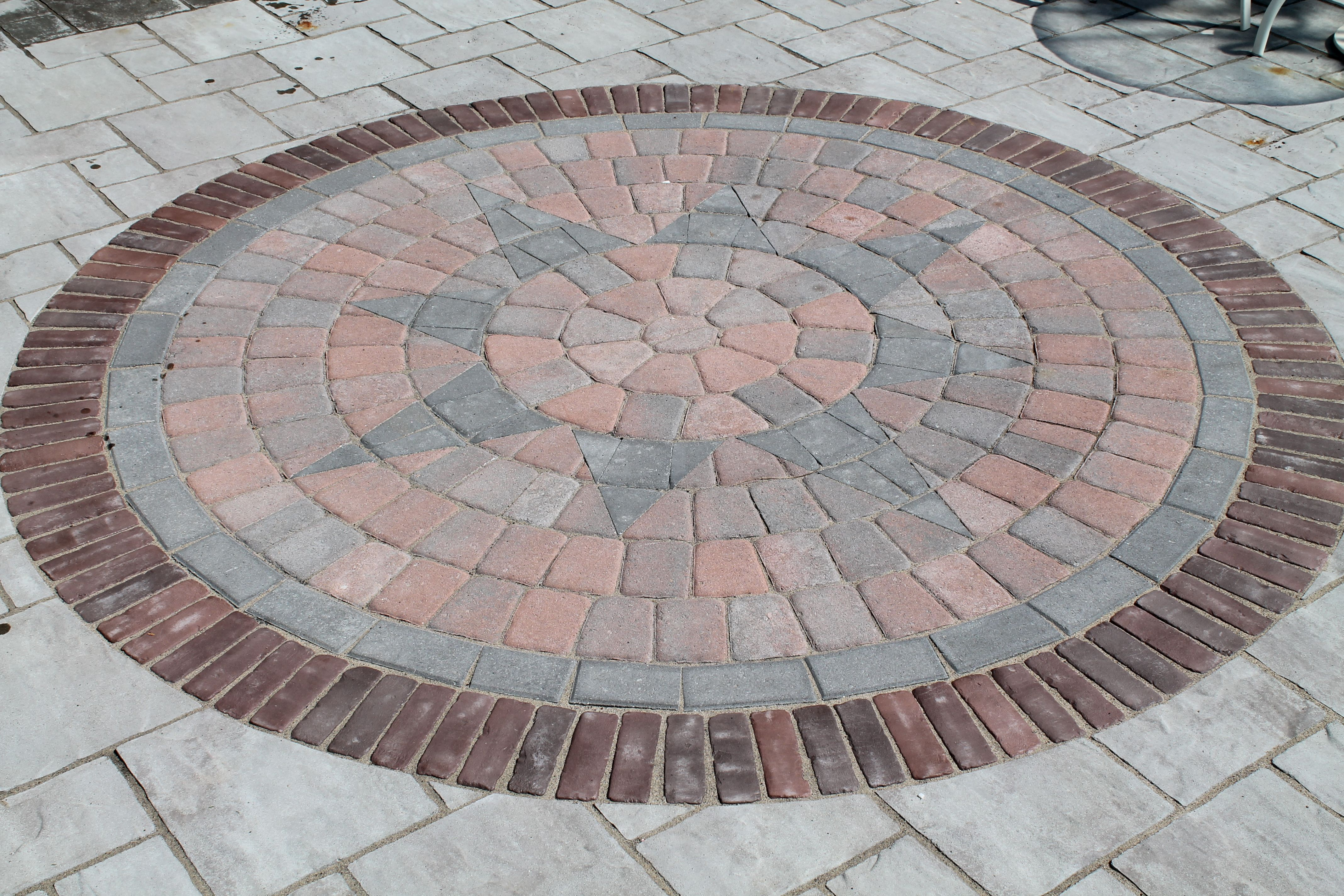 Circle Pattern Inlay On Paver Patio By Bahler Brothers In Ct