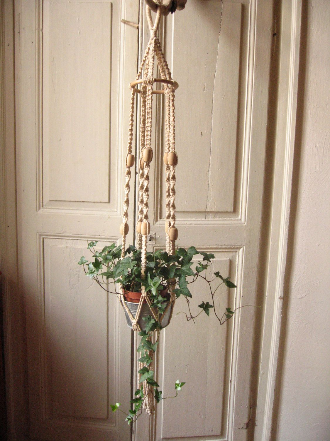 Suspension in macrame crochet plant vintage braided cotton and beads wood door pot to - Suspension pot de fleur macrame ...