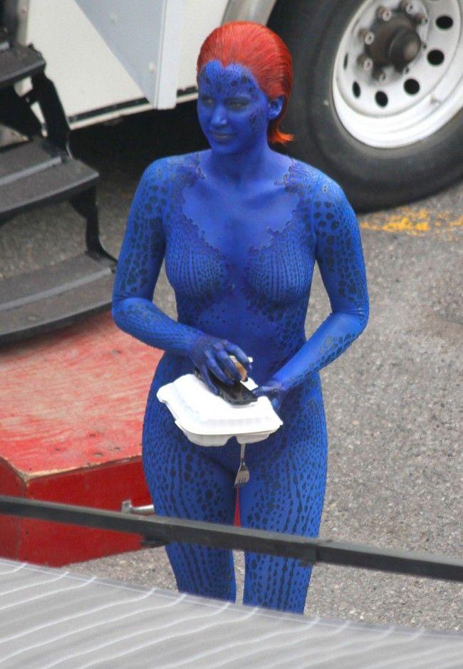 Jennifer Lawrence As Mystique On The New X Men Movie Set In Montreal ก ปต นอเมร กา หน งส อการ ต น อเล กซานดรา แดดดาร โอ