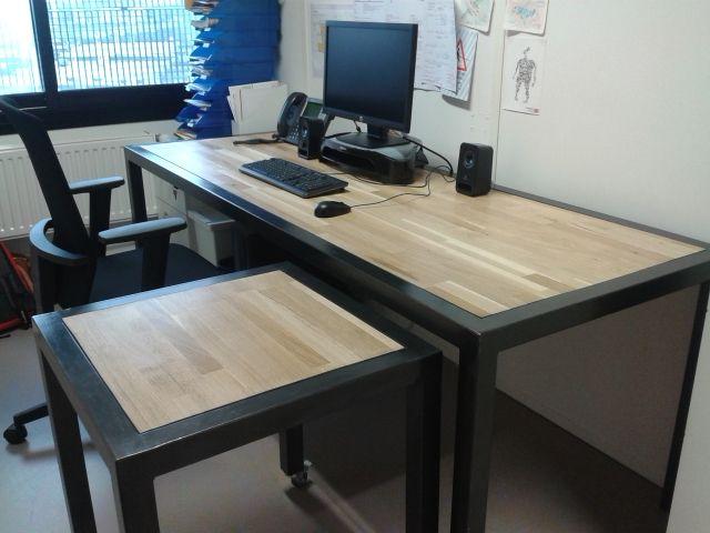 Bureau professionnel moderne en bois et métal réalisée sur mesure et