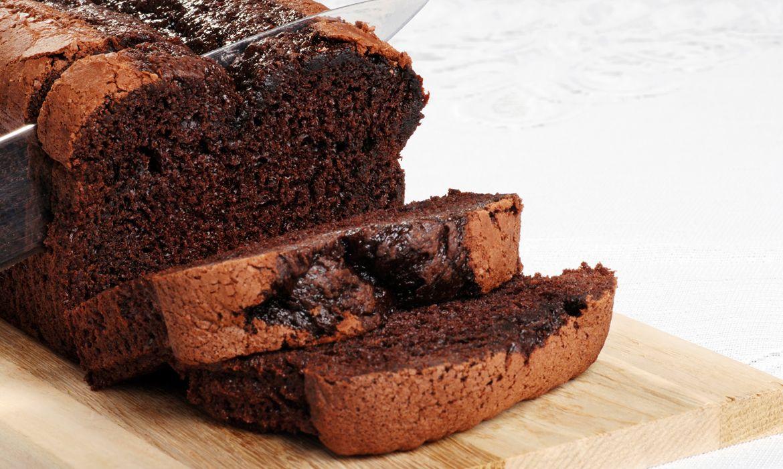 Chocolate Sour Cream Pound Cake Recipe Desserts Chocolate Loaf Cake Easy Cake Recipes