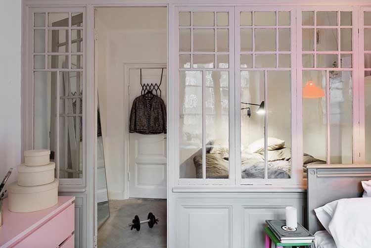 Une verrière en bois pour séparer 2 chambres | verriere, veranda ...