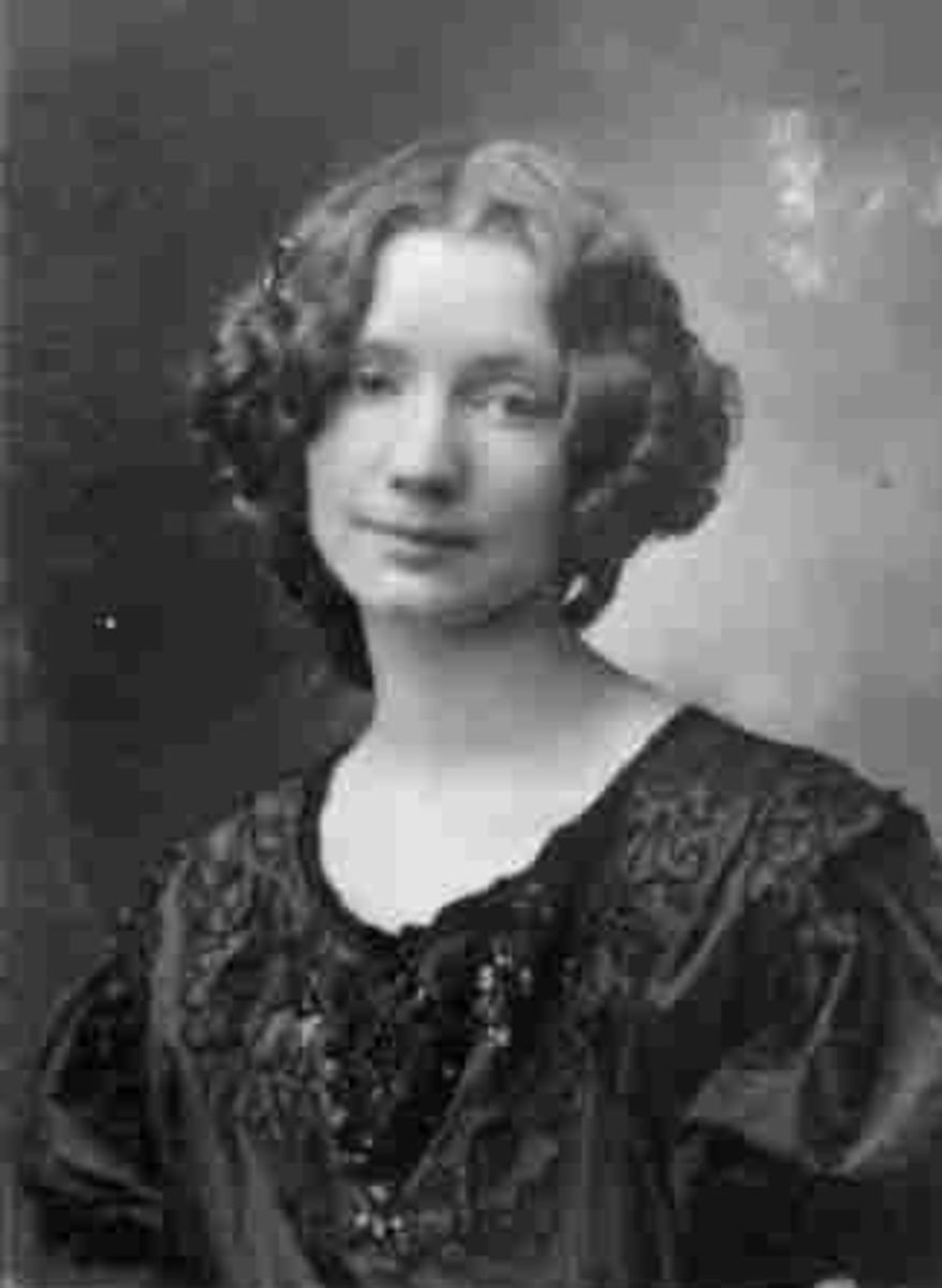 Gerda Wegener - Artist - Biography.com Married to landscape artist Einar Wegener/Lili of The Danish Girl fame. She has been called the Lady Gaga of the 1920s.