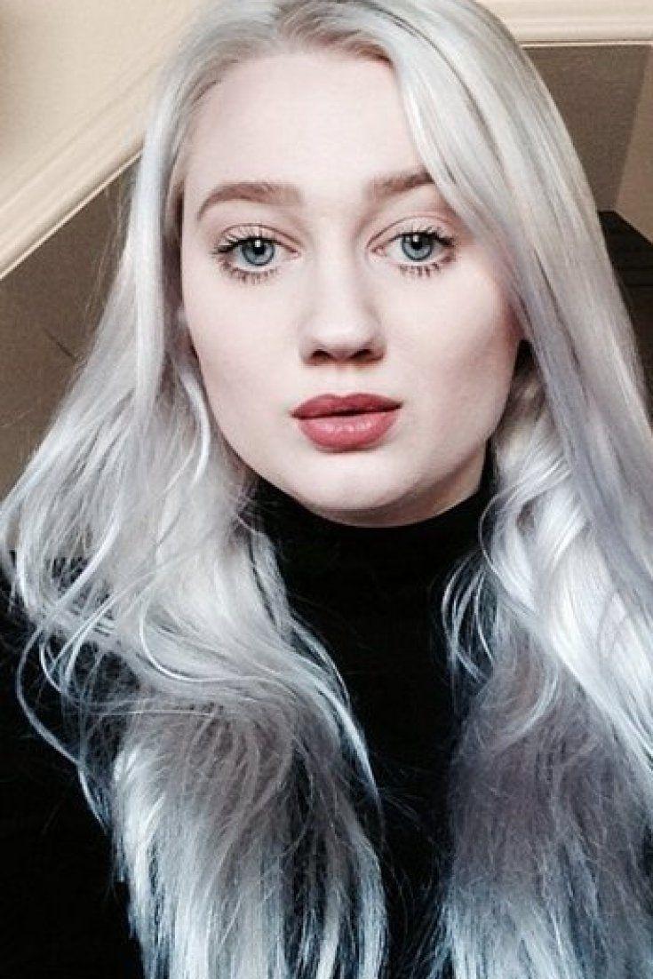 Graue Haare Junge Frau