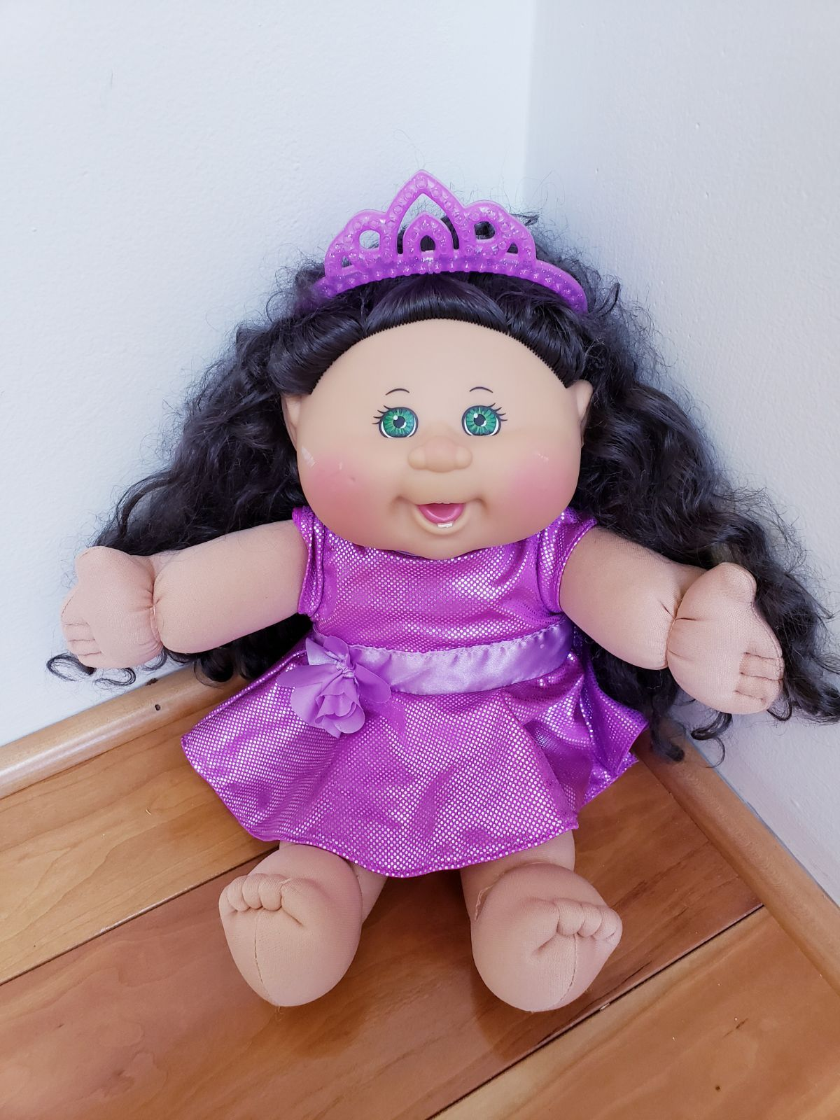 1978 2015 Tiara Cabbage Patch Doll with beautiful curly black hair with  purple tiara and dress. Please see last picture for… | Black curly hair, Cabbage  patch kids dolls, Cabbage patch kids