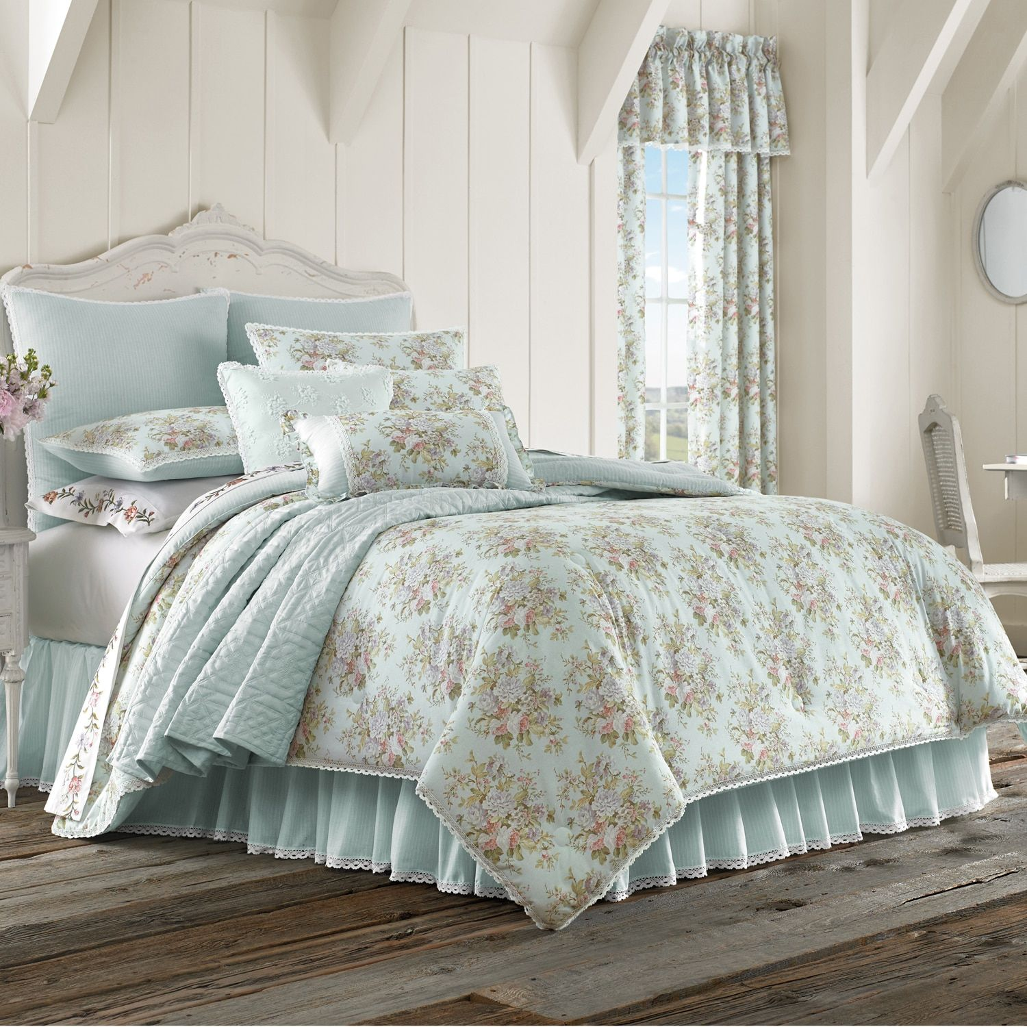 Hilary California King Comforter Set In 2020 Comforter Sets Waverly Bedding Full Comforter Sets