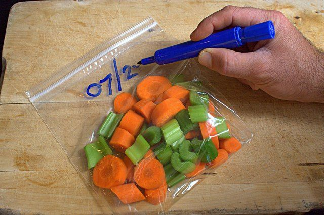 how to freeze fresh carrots and celery