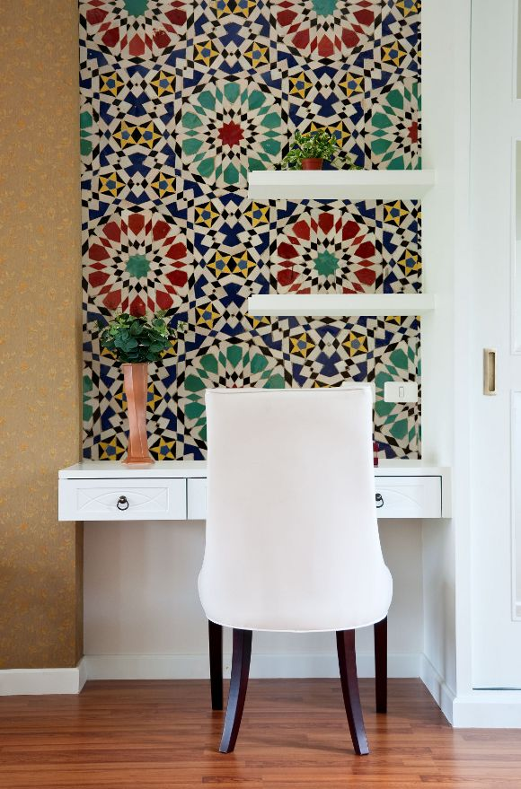 Digitex-Morrocan-Mosaic-Mural love how this small workstation is defined by the mural