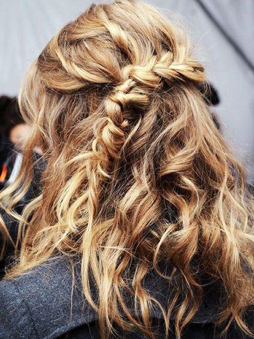 Peinado deshecho medio recogido con trenza al lado y pelo for Medio recogido con trenzas