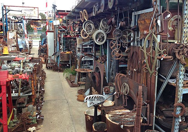 PERTH: Collectables, industrial vintage and antique ...