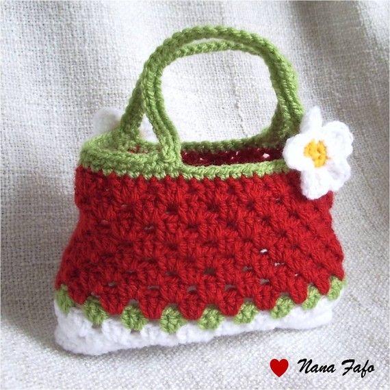 sac au crochet petite fille rouge fraise sur a little market pinterest petite fille. Black Bedroom Furniture Sets. Home Design Ideas