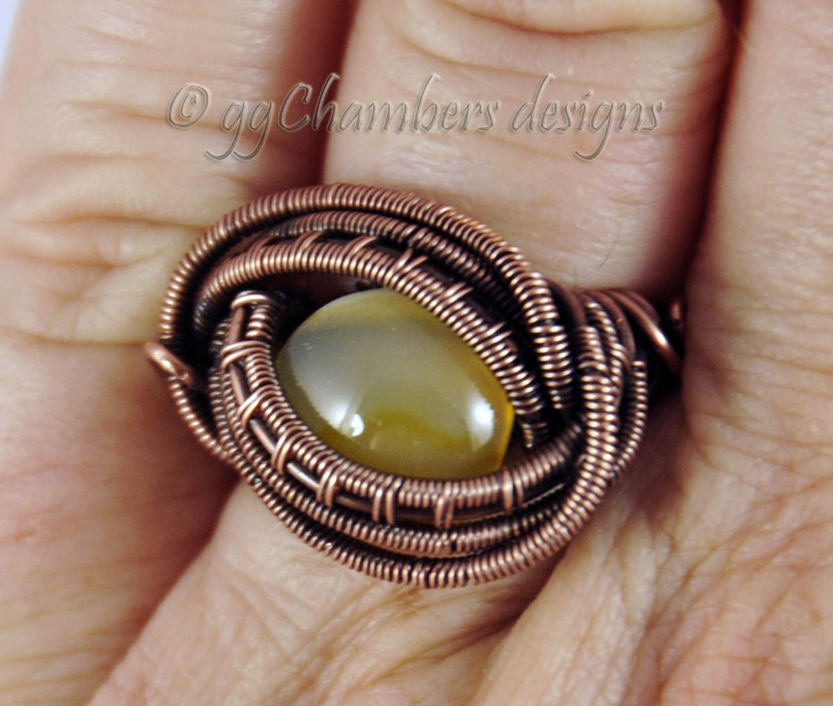 Antiqued Copper Woven Wire Ring with Agate Cabochon – Size 7