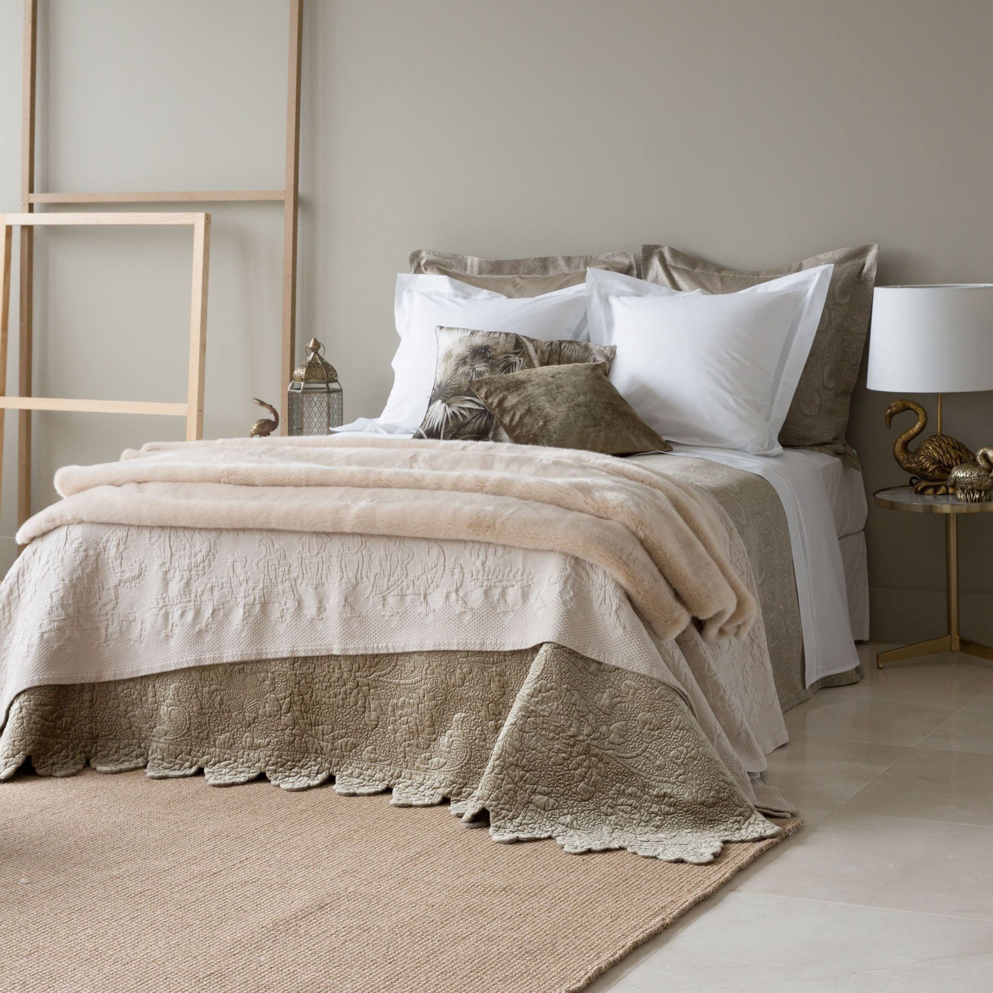 Bedspread and cushion cover with embroidered leaves - Colchas zara home ...