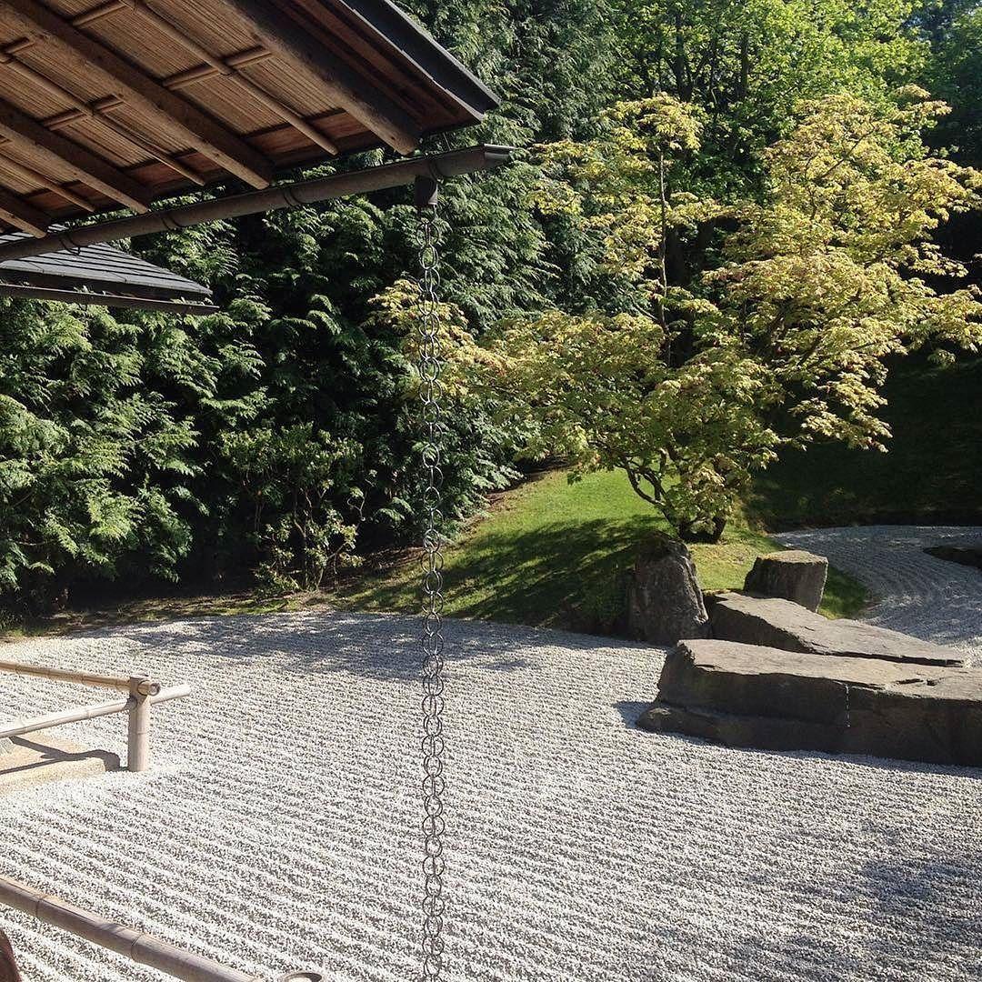 Einer unserer absoluten @igaberlin2017 Garten-Favoriten: der japanische Garten. Einfach wunderschön! Was euch sonst noch so in den Gärten der Welt erwartet erfahrt ihr auf unserem Blog. . #berlin #kiezcouture #gärtenderwelt #gärtenderweltberlin #igaberlin #japanischergarten #weekend #thisisberlin #hellersdorf #berlin4you #berlin2go #berlinimquadrat #visit_berlin #berlinpage #berlinbreeze #igberlin #inberlin #ig_germany #iheartberlin #igersberlin #exploreberlin #wonderlustberlin #sundayfunday…