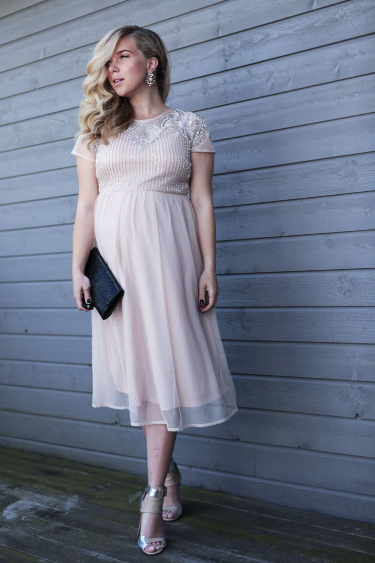 Monique Lund // wedding outfit // maternity style // pregnant week ...
