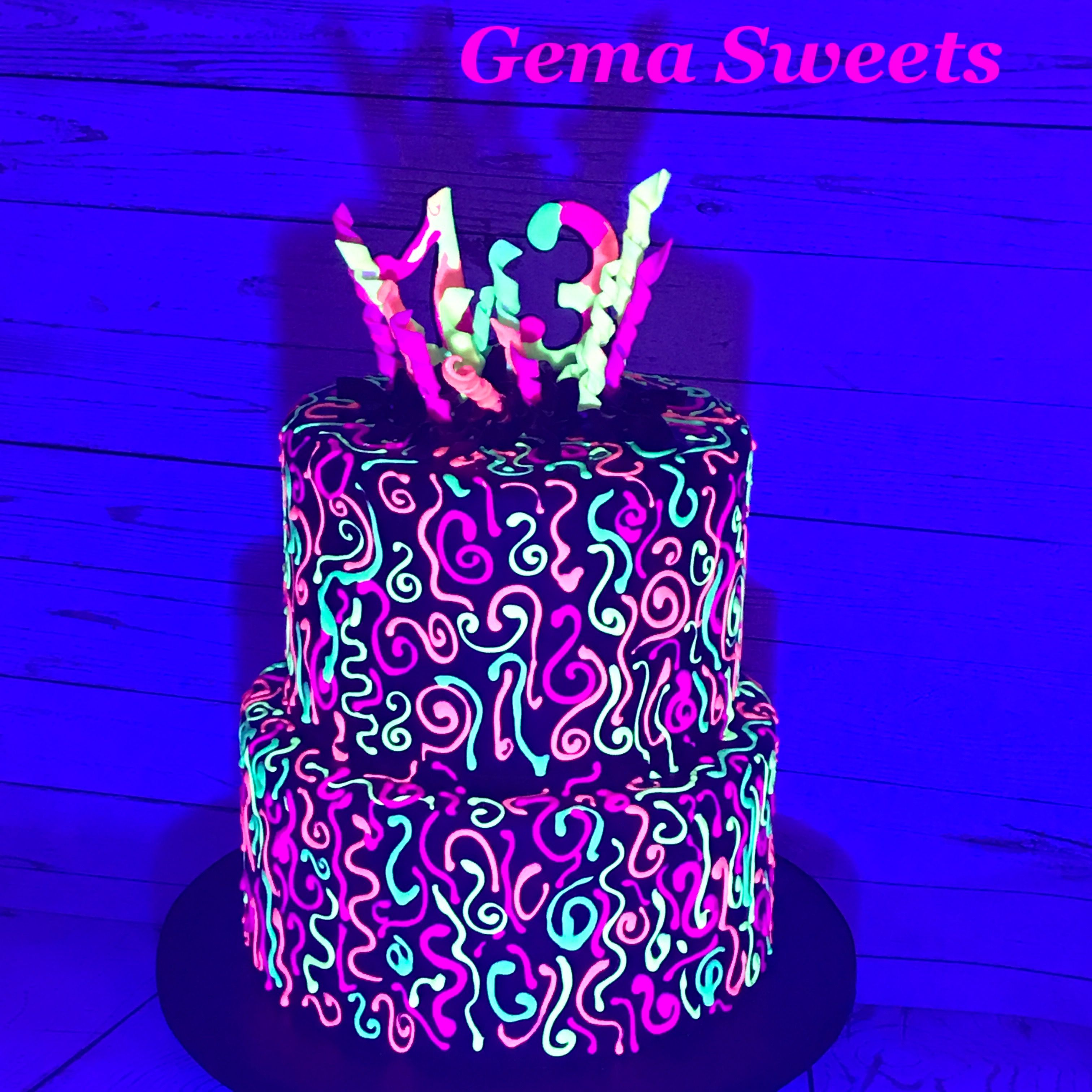 Phenomenal Glow In The Dark Cake By Gema Sweets Lights Off With Images Funny Birthday Cards Online Eattedamsfinfo
