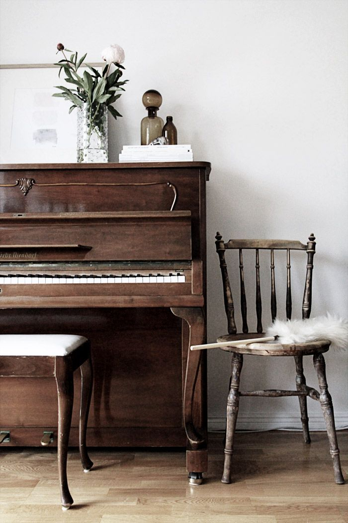 Beautiful wood finish piano music room decorating for Piano room decor