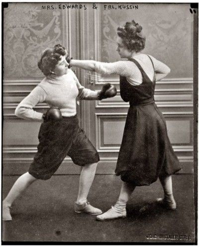 Old Time Lady Boxers This Is What We Need More Of Women Boxing