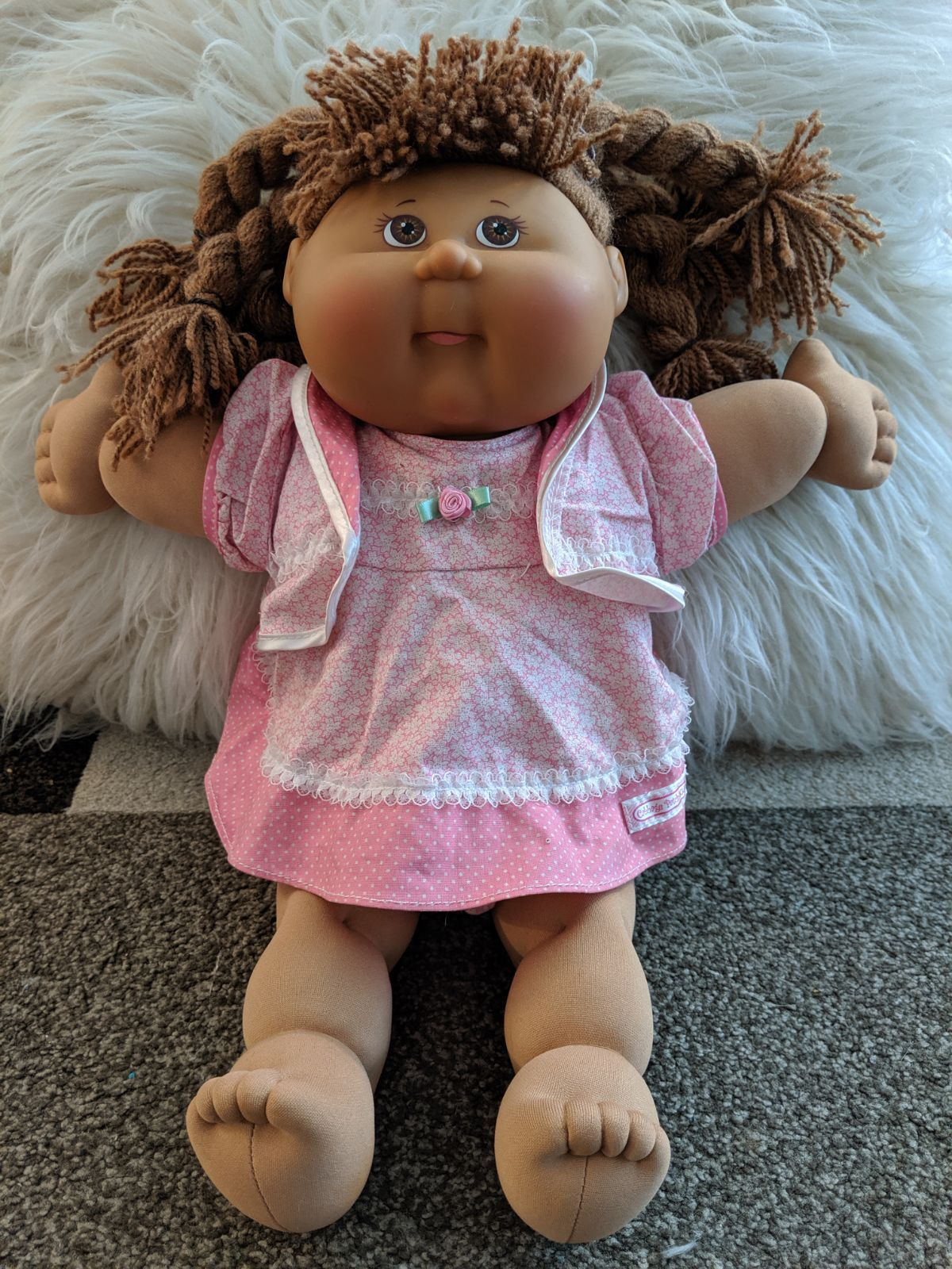 Cabbage Patch Kid Doll Measures About 16 1 2 Inches Light Brown Hair Brown Eyes Light Brow Cabbage Patch Kids Dolls Cabbage Patch Kids Cabbage Patch Babies