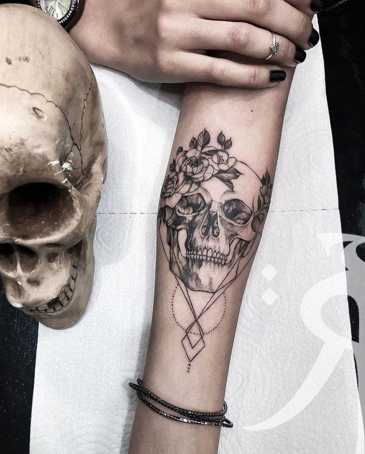 Photo of Geometrisches Schädeltattoo / Geometrisches Rosenschädeltattoo #skull #caveira #ink #g …, #caveira …