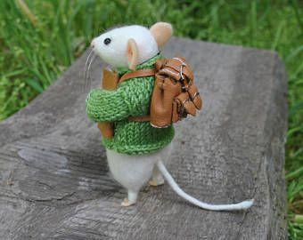 Little mouse needle felted mouse Needle felt mouse Felted animal Miniature mouse doll White mouse felted animals wool mouse felt mice toys #needlefeltedcat