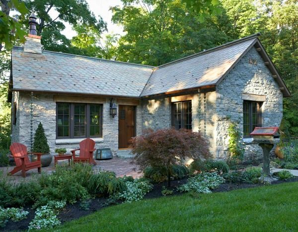 A small stone lake house in minnesota stone house and for Small stone cottage