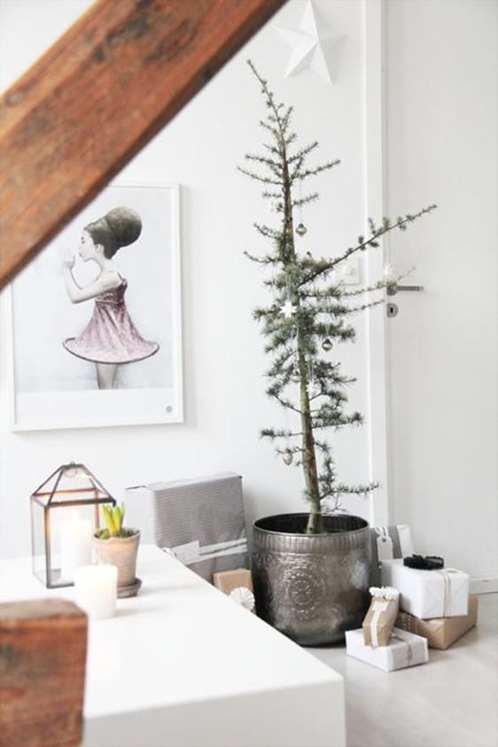 41 beautiful minimalist christmas decorations ideas pinterest minimalist and decoration - Minimalist Christmas Decorations