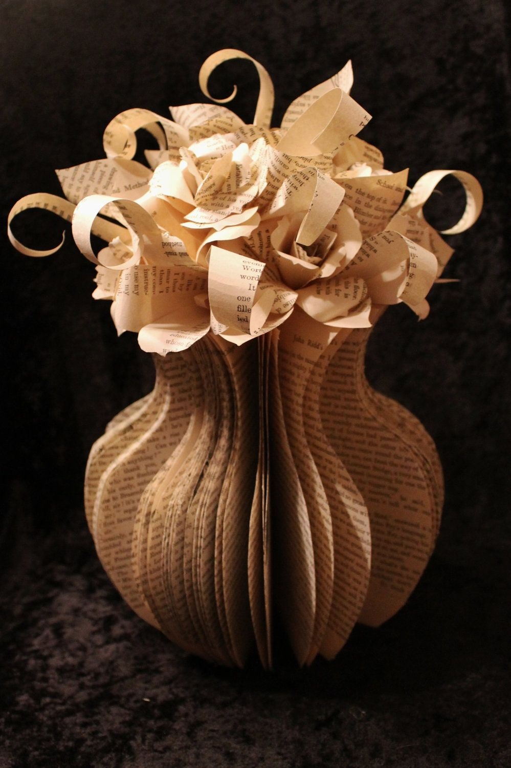 Flower Vase Book Sculpture I Want To Make Paper Things Pinterest