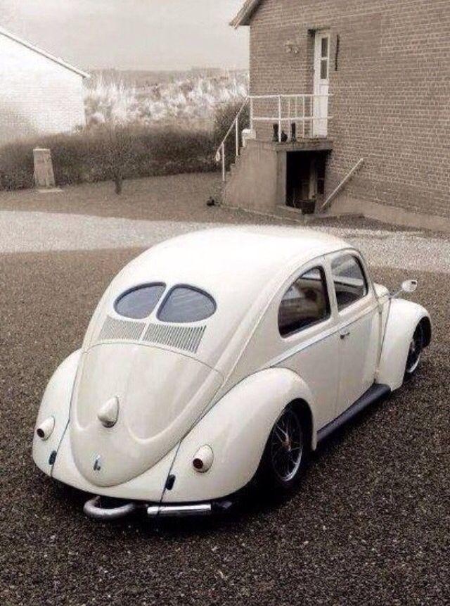VW Split Window Beetle Bug in Wimbledon White.