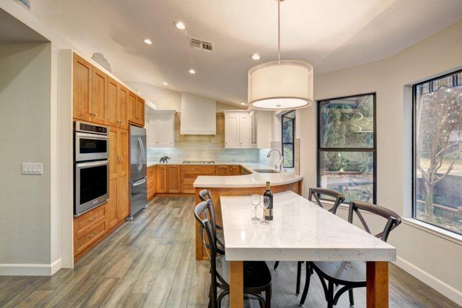 Kitchen Peninsula Designs, die Koch-Zimmer sehen erstaunlich machen