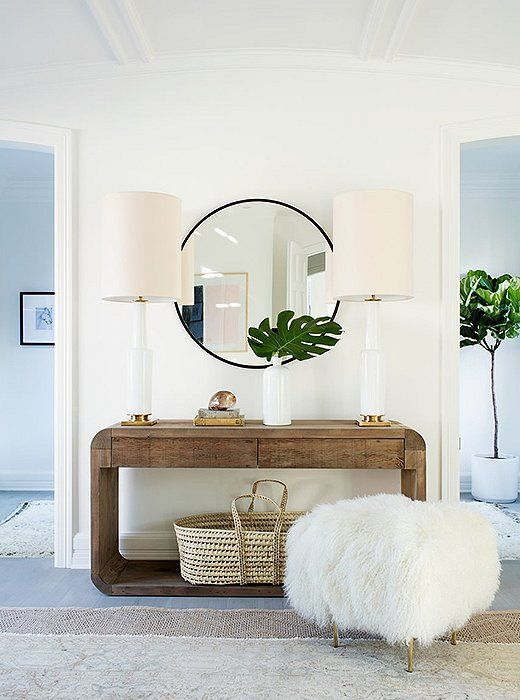 Perfect Organic Textures, Fresh Greenery And An All White Color Palette Ensures A Bright  And Breezy Entryway Style.