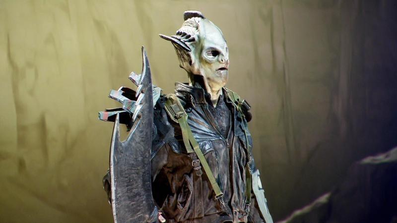 """Alien Bounty Hunter Faceoff Season 10 Episode 1 """"Wanted Dead or Alive"""""""