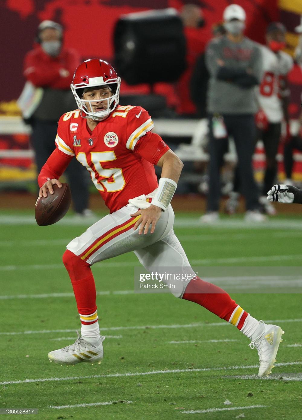 Patrick Mahomes Of The Kansas City Chiefs Looks To Pass In The Second In 2021 Kansas City Chiefs Kansas City Kansas