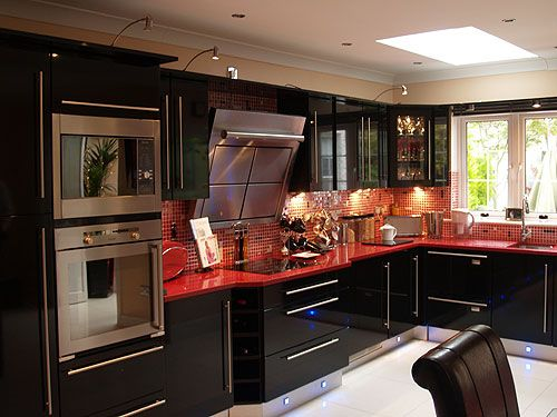 Cl1 High Gloss Black Kitchen Fittings White Bathroom Decor Kitchens And Bedrooms