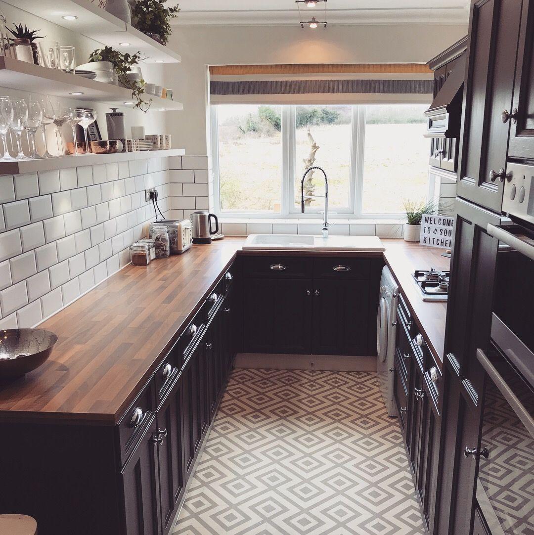 Best Basalt 221 In 2020 Galley Kitchen Design Small 640 x 480
