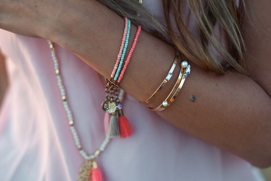 The Mandarine Girl adds a boho twist to her look with our pink tassel bracelet #riverisland #bloggerstyle