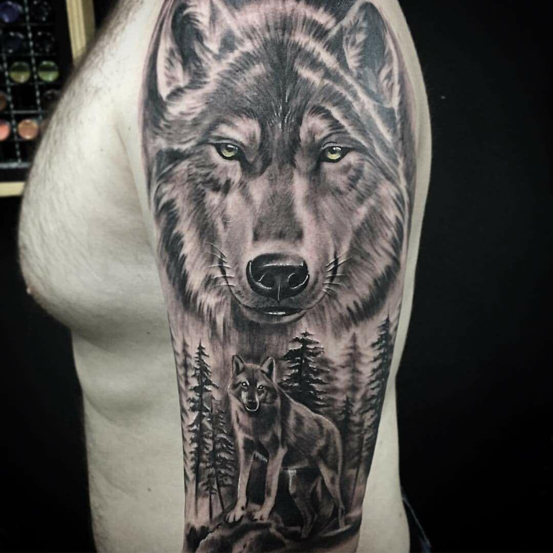 Pin De Kristian Gadev Em Tatuagens Lobo Tatuagem Lobo E Lua Tatuagem Tatuagem De Lobo No Braco