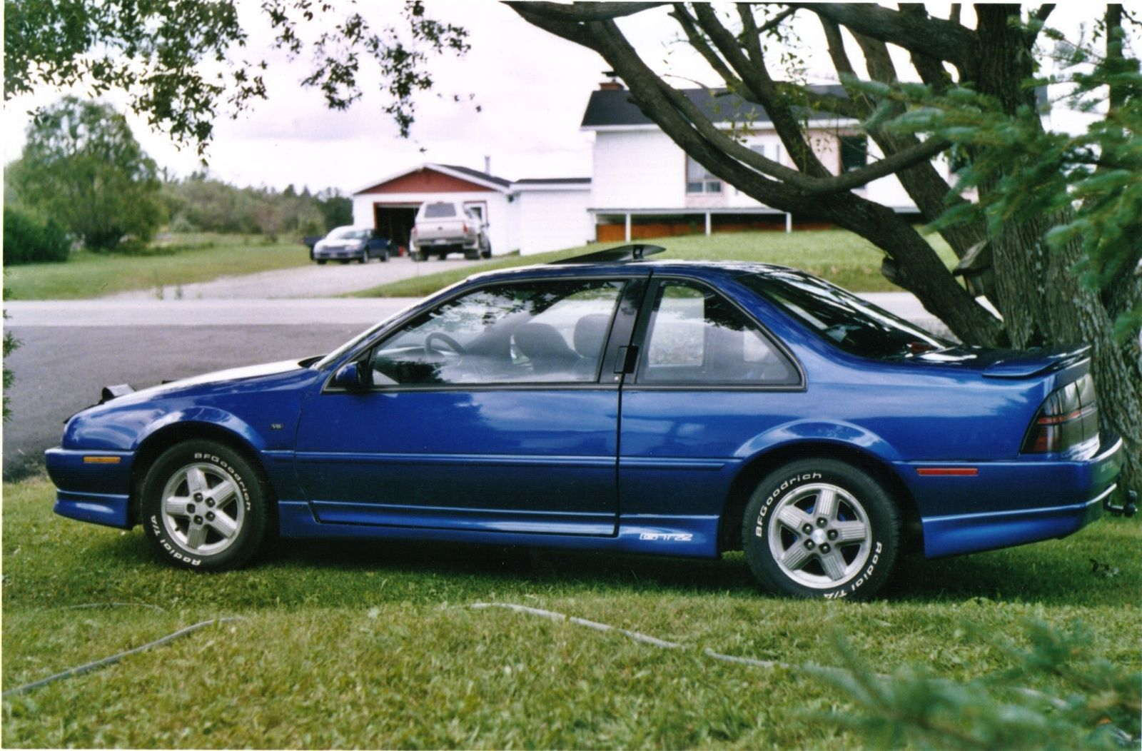 All Chevy 95 chevy beretta : My first car was a 1996 Chevy Beretta. Mine was white with a blue ...