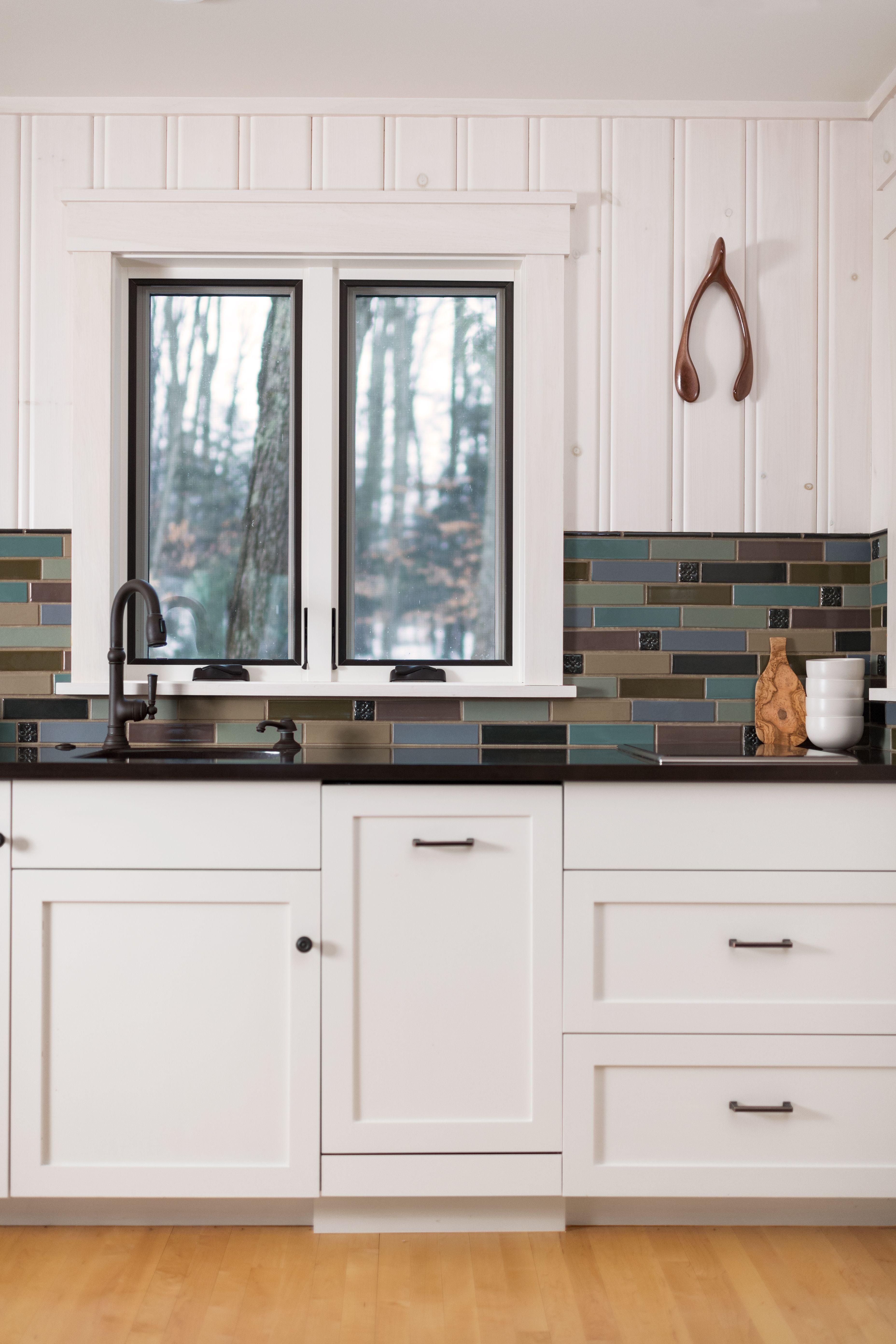 Craftsman Style Kitchen Featuring Warm Neutral Tile Backsplash Rookwood Tile In 2020 Kitchen Inspirations Craftsman Style Kitchen Inspiring Spaces