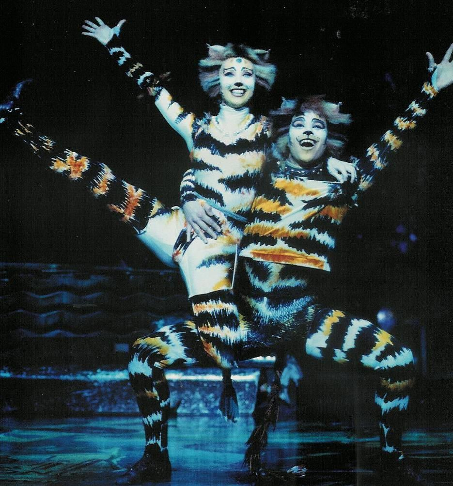 Mungojerrie and Rumpleteaser, UK Tour 200308 Jellicle